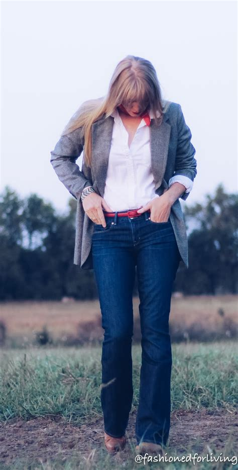Fashioned For Living: boyfriend blazer outfit with jeans