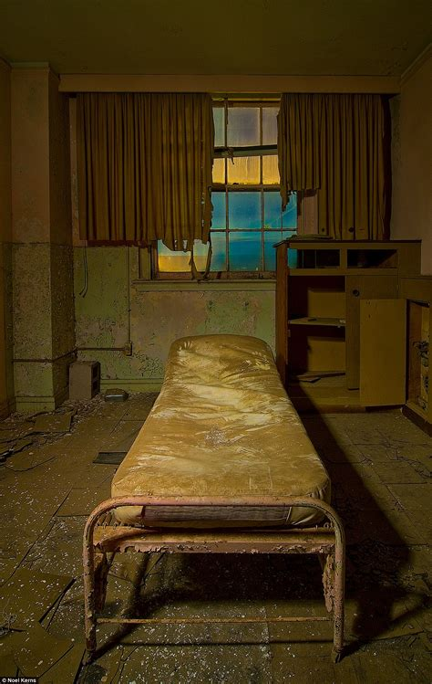 Texas once spectacular Baker hotel in ruins   Daily Mail